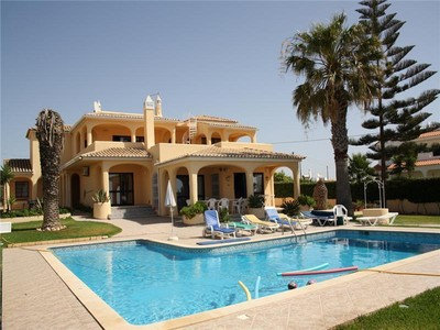 Частный односемейный дом for sales at House, 6 bedrooms, for Sale Albufeira, Algarve Португалия
