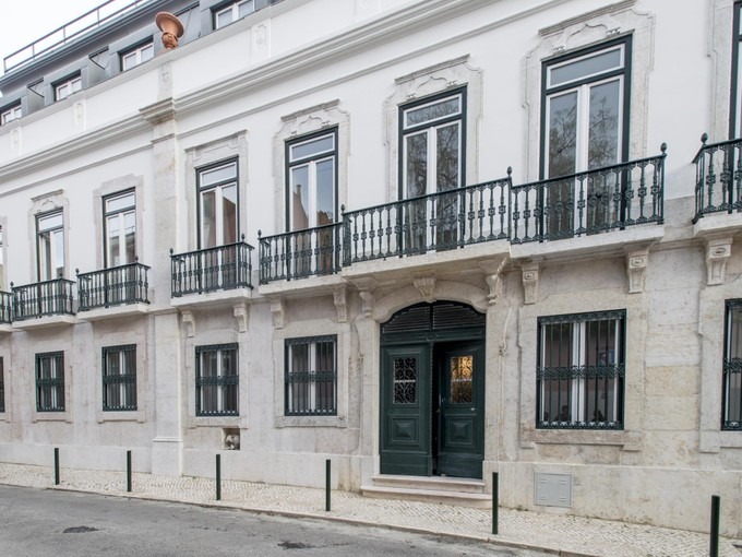 Apartment for sales at Flat, 5 bedrooms, for Sale Lapa, Lisboa, Lisboa Portugal