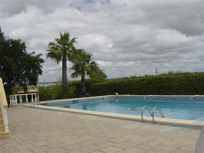 Casa Unifamiliar for sales at House, 5 bedrooms, for Sale Silves, Algarve Portugal