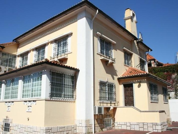 Casa Unifamiliar for sales at House, 5 bedrooms, for Sale Alvalade, Lisboa, Lisboa Portugal