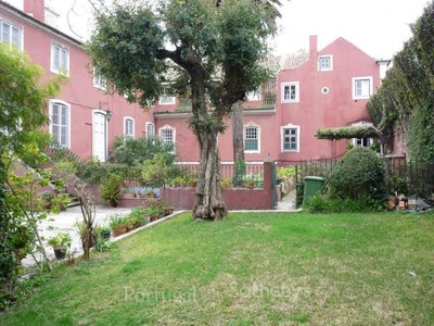Moradia for sales at House, 20 bedrooms, for Sale Santos, Lisboa, Lisboa Portugal