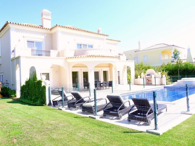Einfamilienhaus for sales at House, 4 bedrooms, for Sale Loule, Algarve Portugal