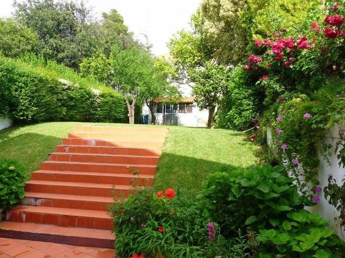 Einfamilienhaus for sales at House, 4 bedrooms, for Sale Restelo, Lisboa, Lissabon Portugal