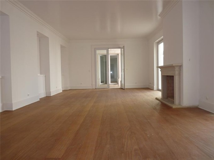 Nhà ở một gia đình for sales at House, 8 bedrooms, for Sale Santos, Lisboa, Lisboa Bồ Đào Nha