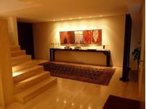 Apartamento for sales at Flat, 3 bedrooms, for Sale Porto, Porto Portugal