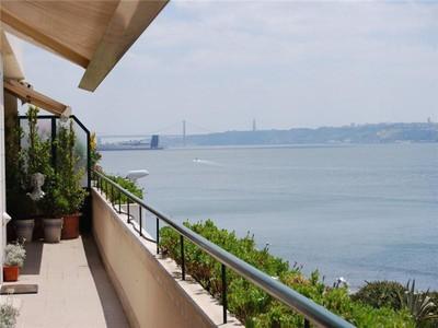 Appartamento for sales at Flat, 4 bedrooms, for Sale Caxias, Oeiras, Lisbona Portogallo