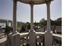 Villa for sales at House, 10 bedrooms, for Sale Lisboa, Lisbona Portogallo