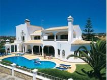 Частный односемейный дом for sales at House, 6 bedrooms, for Sale Albufeira, Algarve Португалия