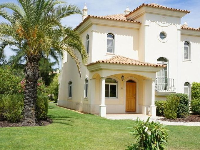 Casa para uma família for sales at House, 2 bedrooms, for Sale Loule, Algarve Portugal