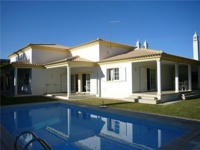 Villa for sales at House, 3 bedrooms, for Sale Albufeira, Algarve Portogallo