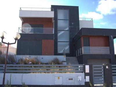 Casa Unifamiliar for sales at House, 3 bedrooms, for Sale Carnaxide, Oeiras, Lisboa Portugal