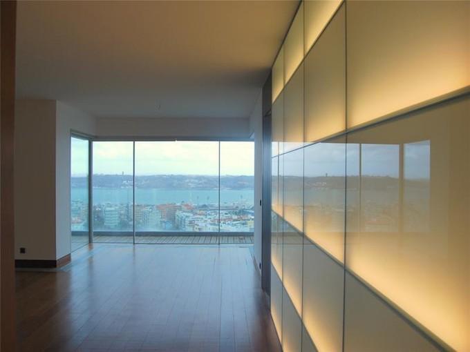 Apartment for sales at Flat, 4 bedrooms, for Sale Restelo, Lisboa, Lisboa Portugal