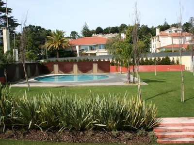 Квартира for sales at Flat, 4 bedrooms, for Sale Estoril, Cascais, Лиссабон Португалия