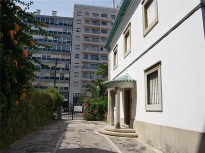 Casa Unifamiliar for sales at House for Sale Lisboa, Lisboa Portugal