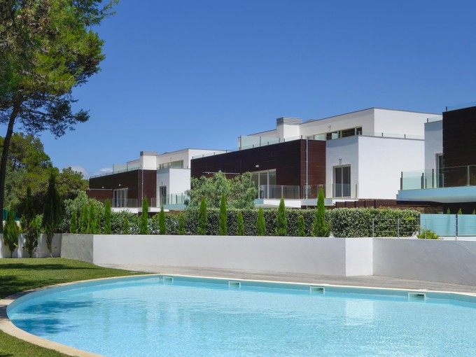 Квартира for sales at Flat, 5 bedrooms, for Sale Quinta Da Marinha, Cascais, Лиссабон Португалия