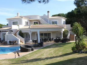 独户住宅 for 出售 at House, 4 bedrooms, for Sale Loule, Algarve 葡萄牙