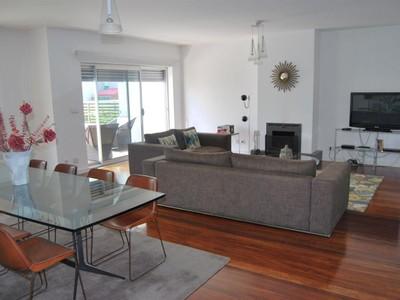 Villa for sales at House, 3 bedrooms, for Sale Oeiras, Lisbona Portogallo