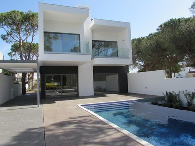Villa for sales at Terraced house, 4 bedrooms, for Sale Loule, Algarve Portogallo