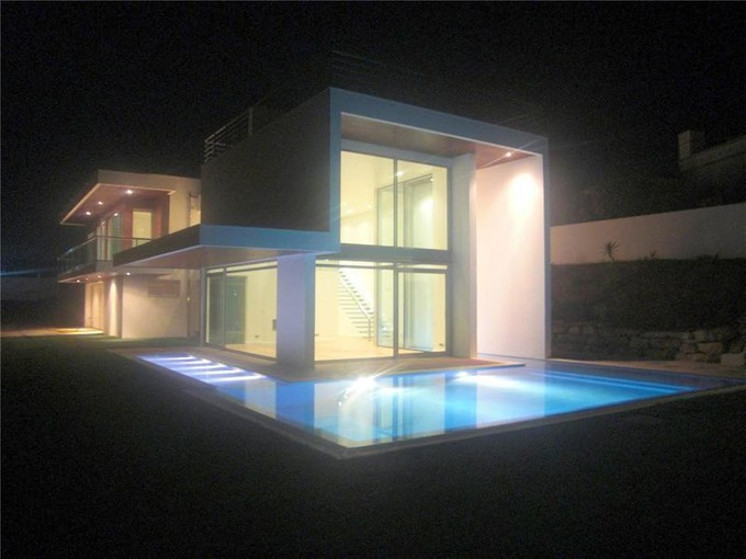 Vivienda unifamiliar for sales at House, 4 bedrooms, for Sale Lagos, Algarve Portugal