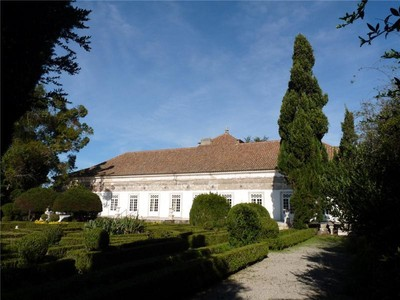 Частный односемейный дом for sales at House, 5 bedrooms, for Sale Oeiras, Лиссабон Португалия