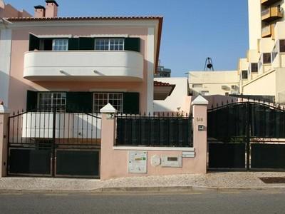 Maison unifamiliale for sales at House, 4 bedrooms, for Sale Cascais, Cascais, Lisbonne Portugal