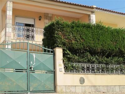 Einfamilienhaus for sales at House, 4 bedrooms, for Sale Parede, Cascais, Lissabon Portugal