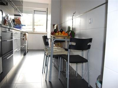 公寓 for sales at Flat, 3 bedrooms, for Sale Alcantara, Lisboa, 葡京 葡萄牙
