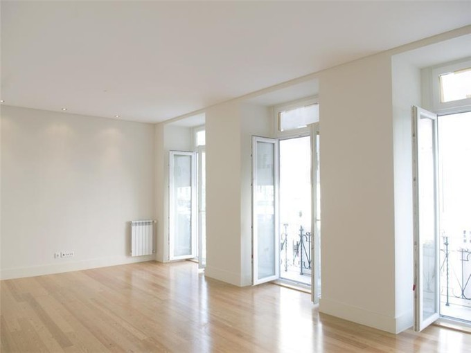 Wohnung for sales at Flat, 4 bedrooms, for Sale Lisboa, Lissabon Portugal