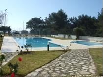 Apartamento for sales at Flat, 2 bedrooms, for Sale Guia, Cascais, Lisboa Portugal