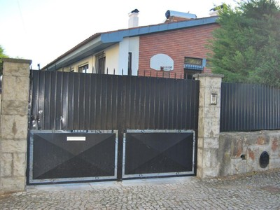 Villa for sales at House, 9 bedrooms, for Sale Oeiras, Lisbona Portogallo