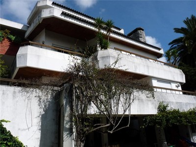 Single Family Home for sales at House, 6 bedrooms, for Sale Queijas, Oeiras, Lisboa Portugal