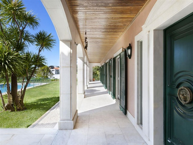 Частный односемейный дом for sales at Detached house, 5 bedrooms, for Sale Parede, Cascais, Лиссабон Португалия