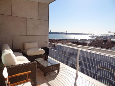 Квартира for sales at Flat, 6 bedrooms, for Sale Chiado, Lisboa, Лиссабон Португалия