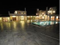 Tek Ailelik Ev for sales at Detached house, 8 bedrooms, for Sale Loule, Algarve Portekiz