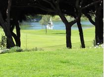 Villa for sales at House, 4 bedrooms, for Sale Loule, Algarve Portogallo