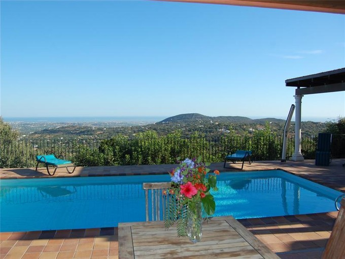 Villa for sales at House, 3 bedrooms, for Sale Faro, Algarve Portogallo