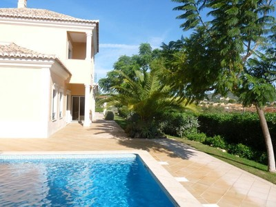 Einfamilienhaus for sales at House, 3 bedrooms, for Sale Loule, Algarve Portugal