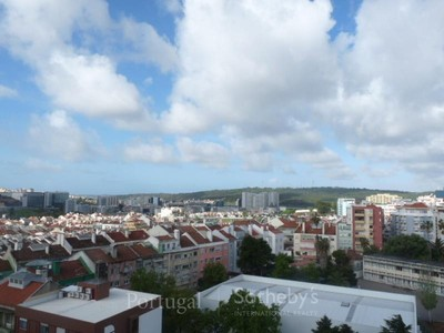 公寓 for sales at Flat, 3 bedrooms, for Sale Lisboa, 葡京 葡萄牙