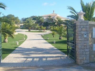 Vivienda unifamiliar for sales at House, 4 bedrooms, for Sale Loule, Algarve Portugal