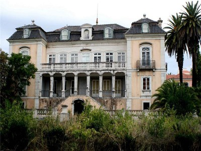 Частный односемейный дом for sales at House, 8 bedrooms, for Sale Alcantara, Lisboa, Лиссабон Португалия