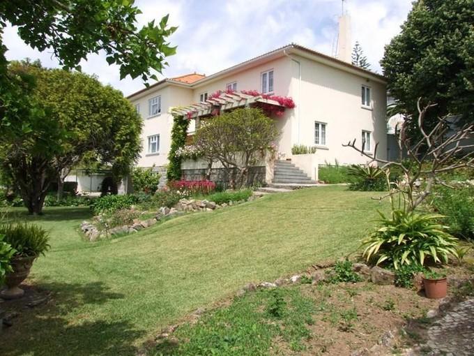 Частный односемейный дом for sales at House, 7 bedrooms, for Sale Caxias, Oeiras, Лиссабон Португалия