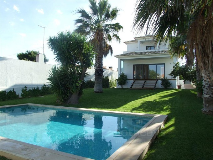 Casa Unifamiliar for sales at House, 3 bedrooms, for Sale Birre, Cascais, Lisboa Portugal
