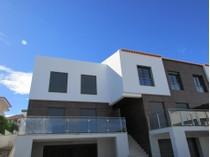 Vivienda unifamiliar for sales at House, 3 bedrooms, for Sale Cascais, Lisboa Portugal
