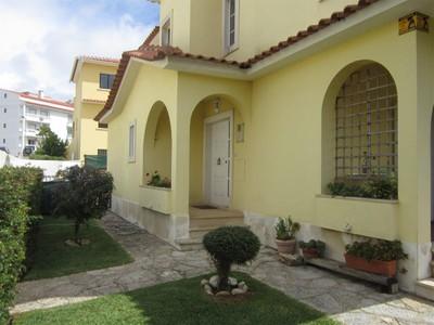 Vivienda unifamiliar for sales at House, 3 bedrooms, for Sale Murtal, Cascais, Lisboa Portugal