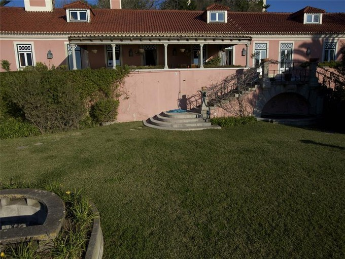 Villa for sales at House, 10 bedrooms, for Sale Oeiras, Lisbona Portogallo