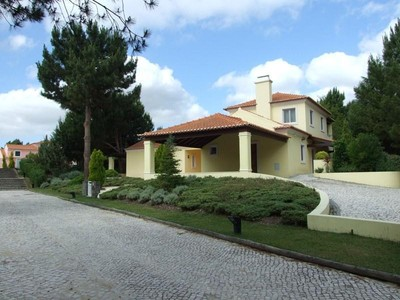 Vivienda unifamiliar for sales at House, 4 bedrooms, for Sale Quinta Do Peru, Sesimbra, Setubal Portugal