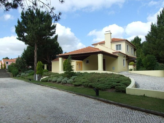Single Family Home for sales at House, 4 bedrooms, for Sale Quinta Do Peru, Sesimbra, Setubal Portugal