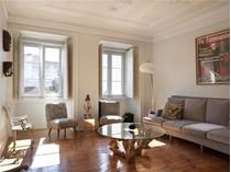 Apartamento for sales at Flat, 2 bedrooms, for Sale Santos, Lisboa, Lisboa Portugal
