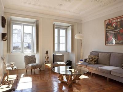 Appartement for sales at Flat, 2 bedrooms, for Sale Santos, Lisboa, Lisbonne Portugal