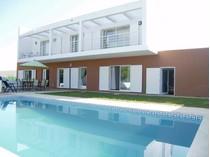 Частный односемейный дом for sales at House, 4 bedrooms, for Sale Albufeira, Algarve Португалия